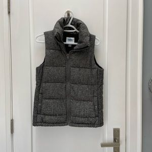 Old navy vest size xs NWOT